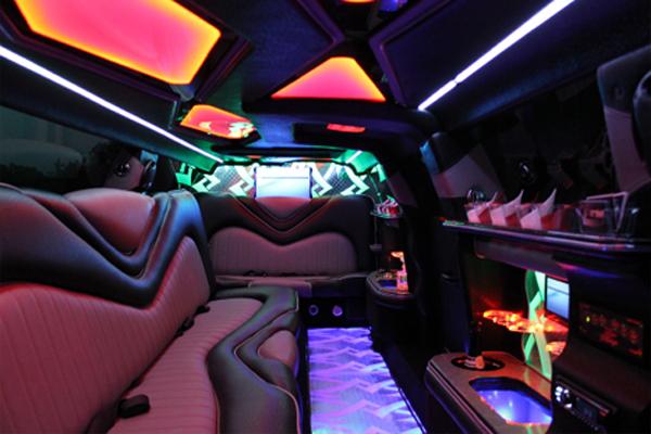 8 Person Chrysler 300 Limo Rental Kansas City
